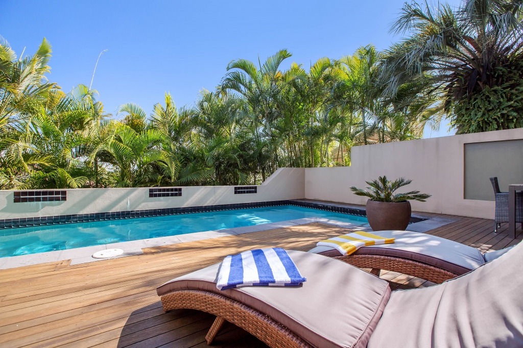 The Pros and Cons of Buying a Holiday Home