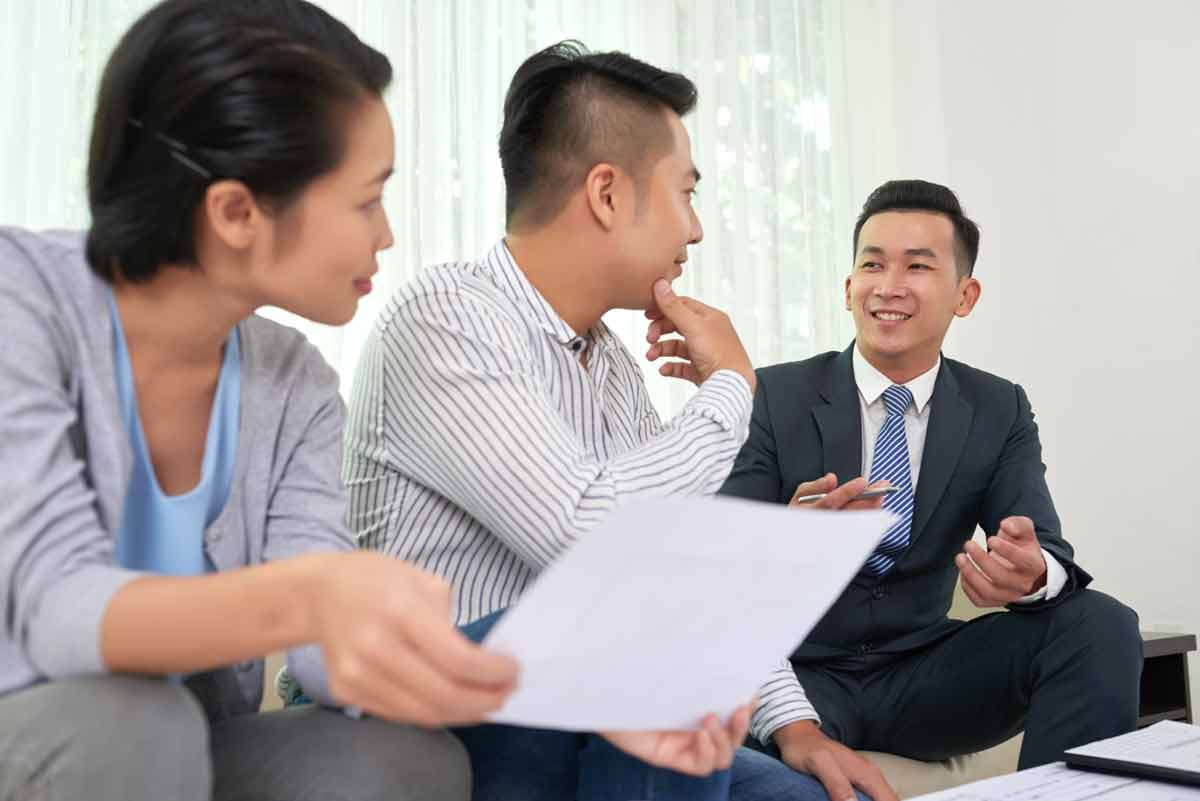 The Pros And Cons Of A Mortgage Broker
